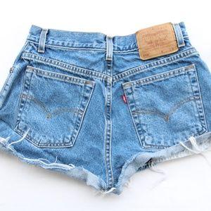 Levis Vintage 550 Cut Off Mom Jean Shorts 6